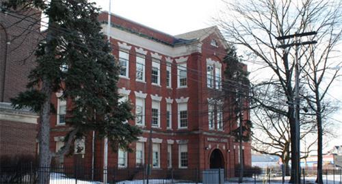 Image of main entrance of Beardsley School